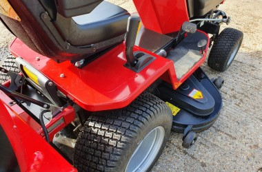 2017 WESTWOOD V25-50 HE RIDE ON LAWN MOWER