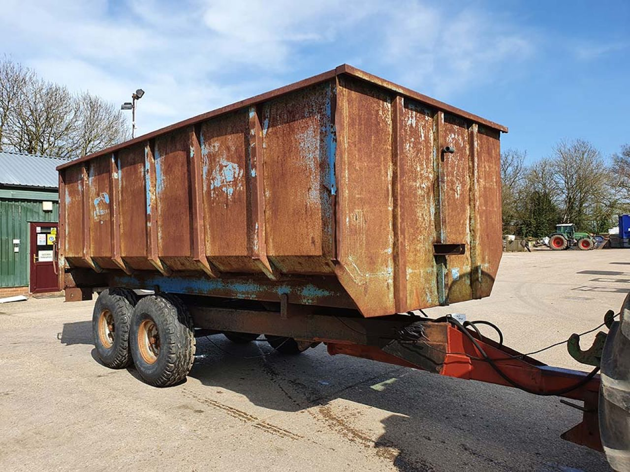 WEEKS 8 TON TANDEM AXLE TIPPING TRAILER