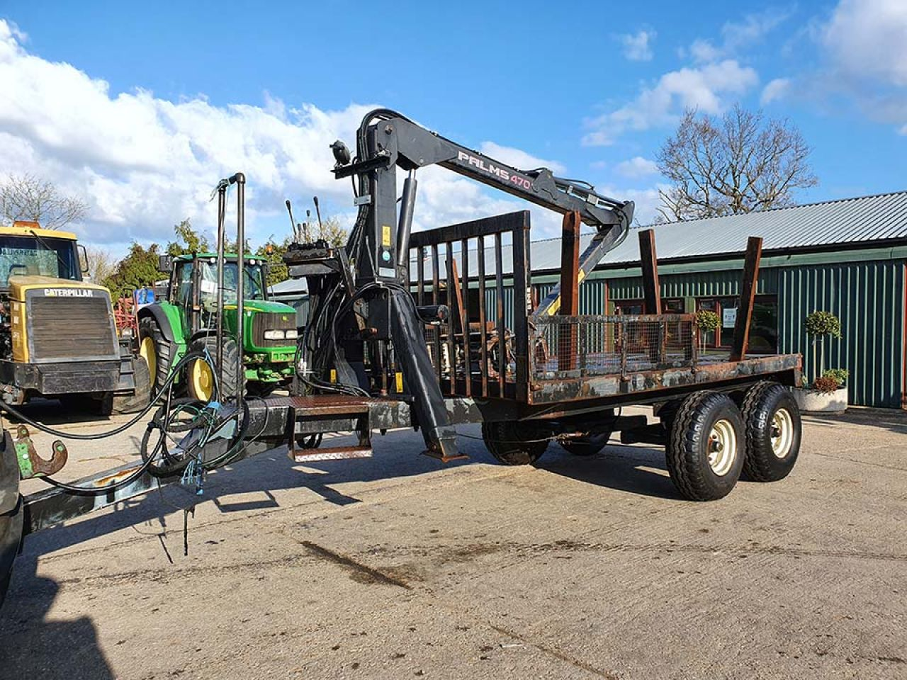 2011 TIMBER TRAILER WITH PALMS 470 CRANE