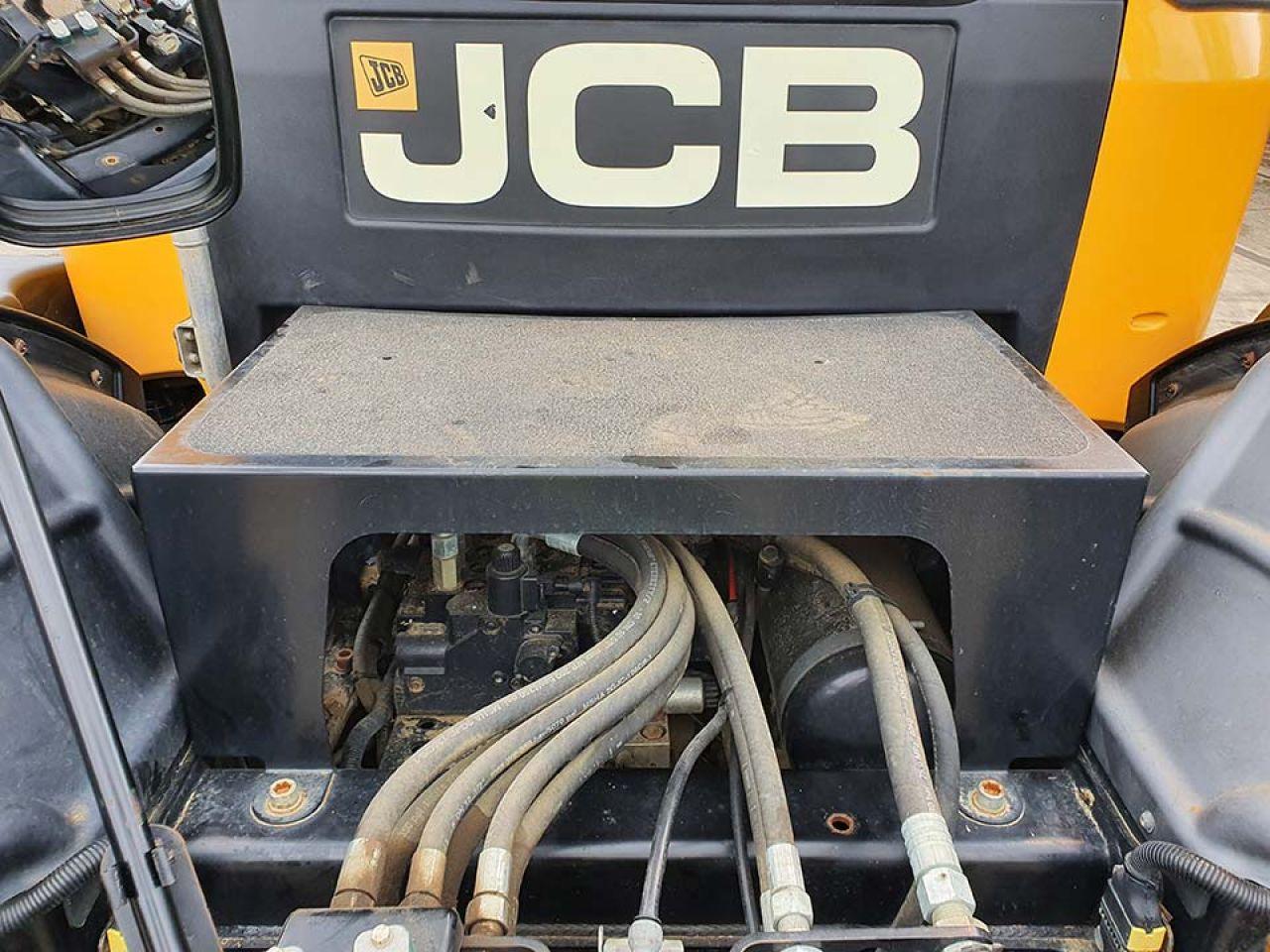 2017 JCB 4160 FASTRAC 4WS TRACTOR