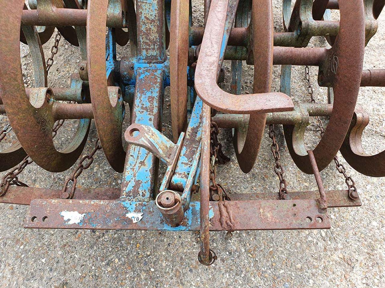 LEMKEN 080 16 RING TRAILED FURROW PRESS