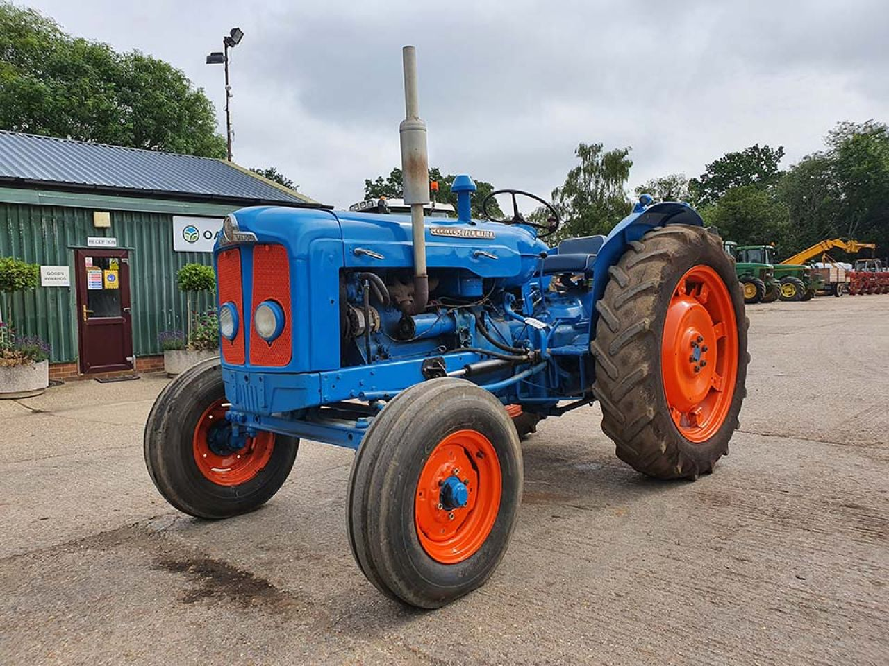 1961 FORDSON SUPER MAJOR 2WD TRACTOR
